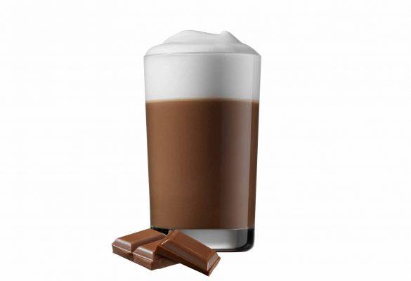 Sjokoladedrikk med sjokoladebiter